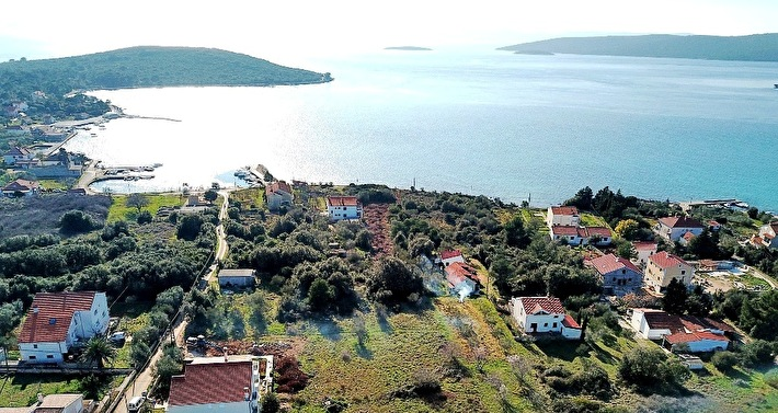 BUILDING LAND IN A SECOND ROW TO THE SEA AREA OF 754 M2 - MULINE, ISLAND UGLJAN